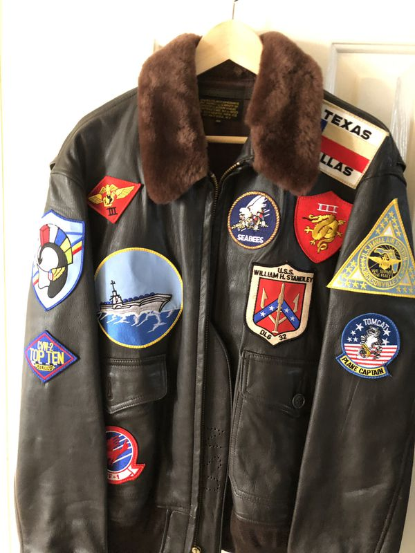 ce6253975 The Official Navy Tomcat Tom Cruise Pete Maverick Top Gun Flight Bomber  Jacket w/ Fur Trimmed Collar for Sale in Austin, TX - OfferUp