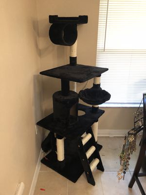 """Cat tower 62"""" for Sale in Clearwater, FL"""