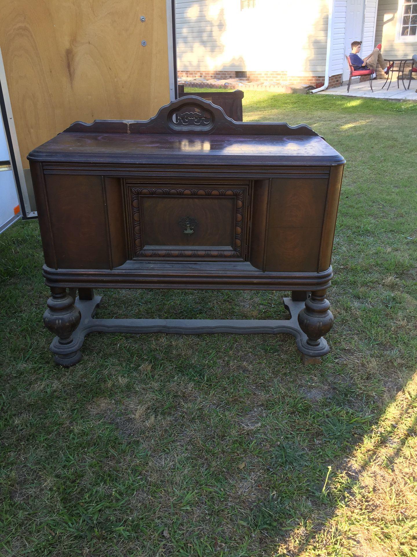 Antique Marsh Furniture