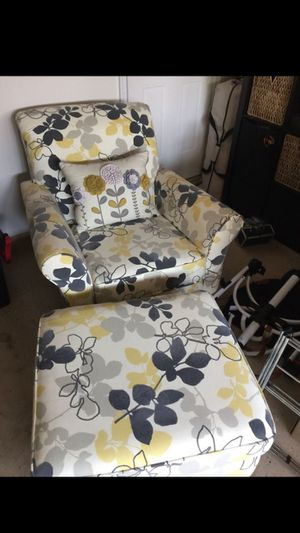 New floral chair and ottoman for Sale in Aldie, VA