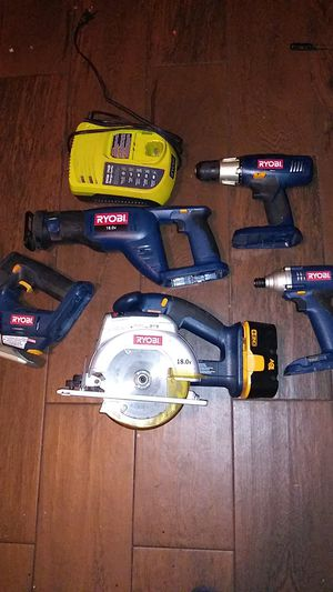 Photo Ryobi 18v 5pc tool set charger and one battery