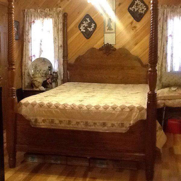 used queen mattress. Kincaid Solid Oak Four Poster Queen/Full Size Bed With Good Used Queen Mattress For Sale In Bluff City, TN - OfferUp S