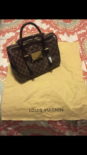 Louis Vuitton Berkeley Damier for Sale in West McLean, VA