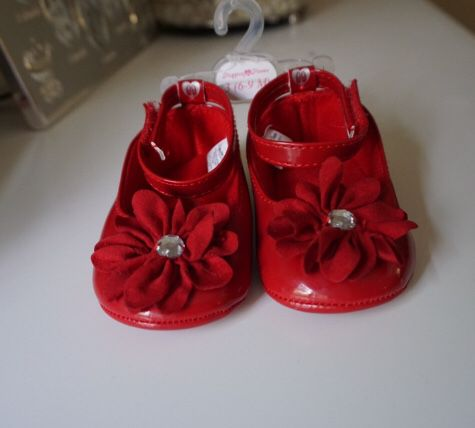 316ff273e 6-9 months shoes for Sale in Seekonk