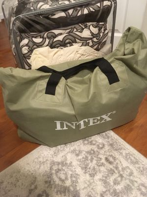 Intex Inflatable Queen Mattress with Pump & Linens for Sale in Washington, DC