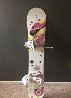 Women's snowboard Thumbnail