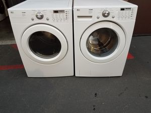 Photo LG front load washer gas dryer