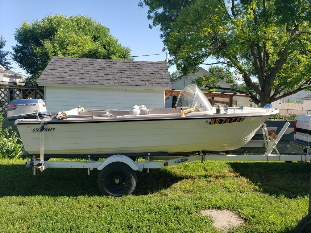 Photo 1967 starcraft boat 15 40HP outboard