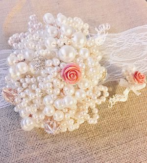 Pearls and brooch wedding bouquet unique! for Sale in Arlington, VA