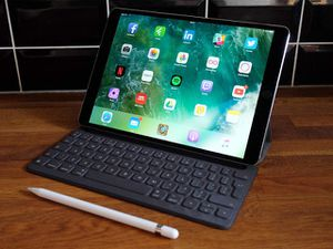 iPad Pro 12.9 cellular and WiFi for Sale in Silver Spring, MD