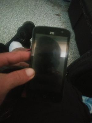 Zt cellphone dont know of locked or not for Sale in Columbus, OH