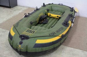 HF 280 Seylor inflatable fish hunter with two oars sportsman outdoor for Sale in Minneola, FL