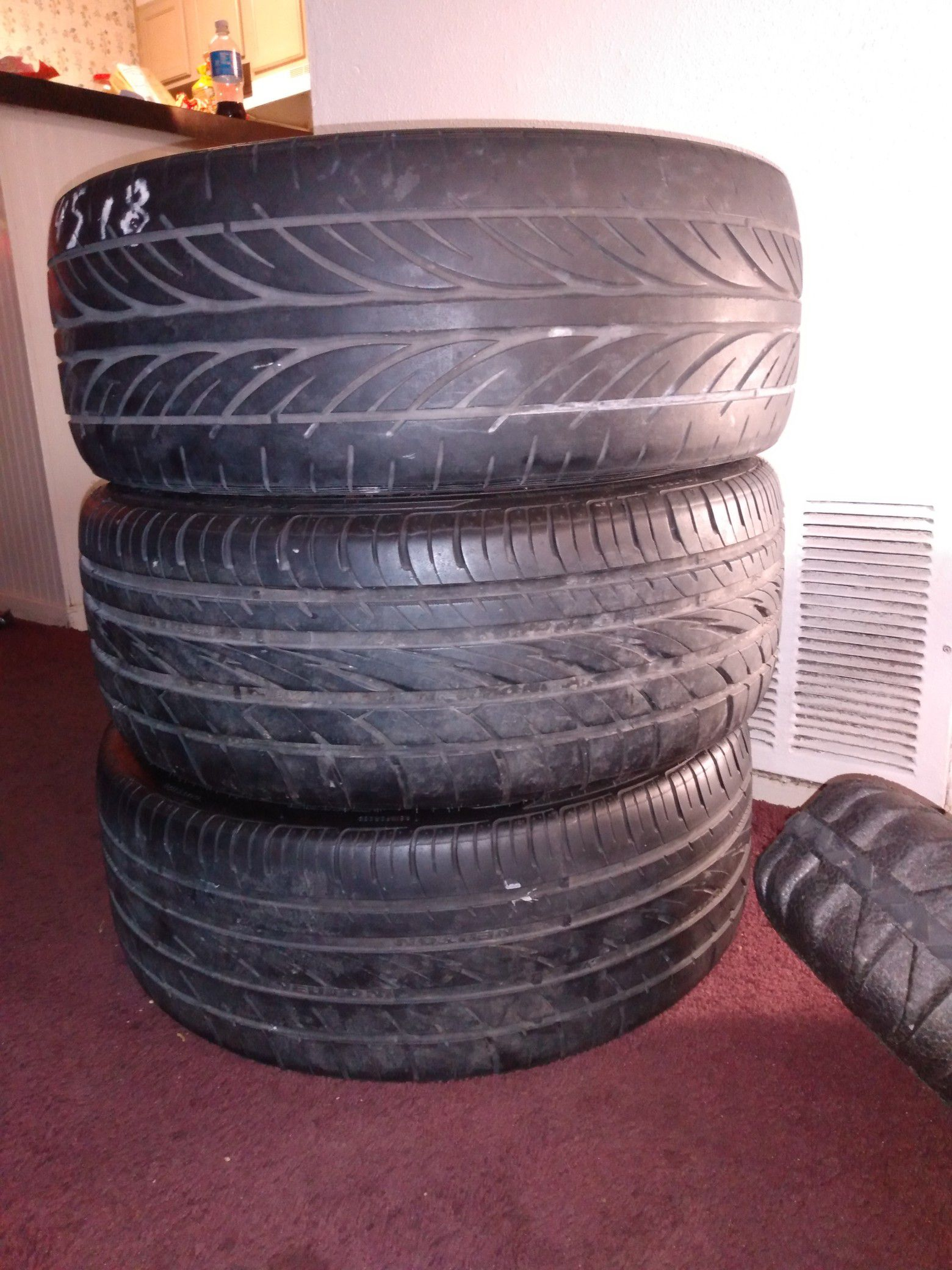 AVE UNIVERSAL RIMES NEW TIRES 18s