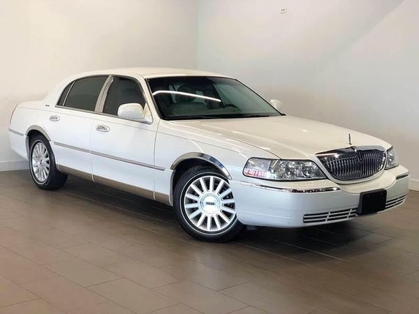 2003 Lincoln Town Car Signature 4 Door Sedan Financing Available For