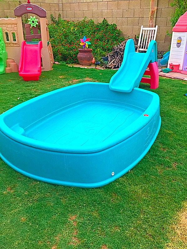 step2 big splash center swimming pool with step2 slide playset for