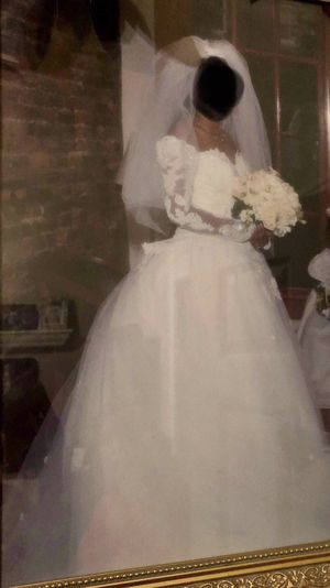 Eve of milady! Size 8 wedding dress for Sale in Houston, TX