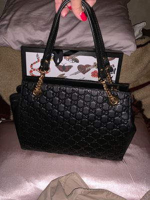 740f3b12701 Gucci Signature Chain-Handle Tote Bag with dust bag and box for Sale in Brea