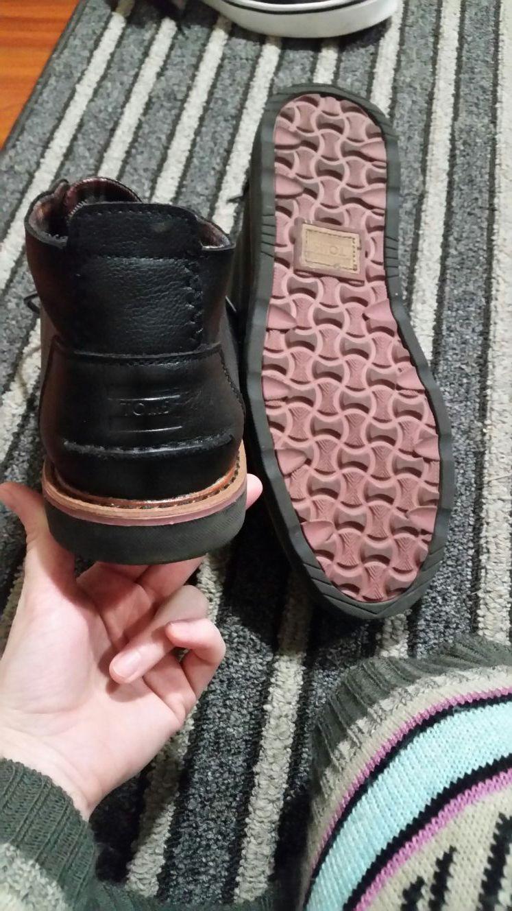 Tom's, men's boot. Size 9.5