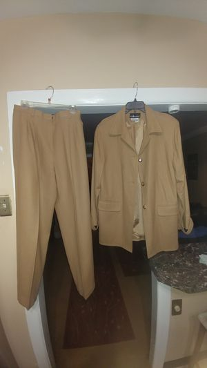 Sag Harbor 2ps pant suit for Sale in Philadelphia, PA