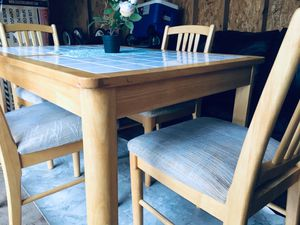 Tile Dining Table with 4 chairs and leaf fit for 8 persons for Sale in Midlothian, VA