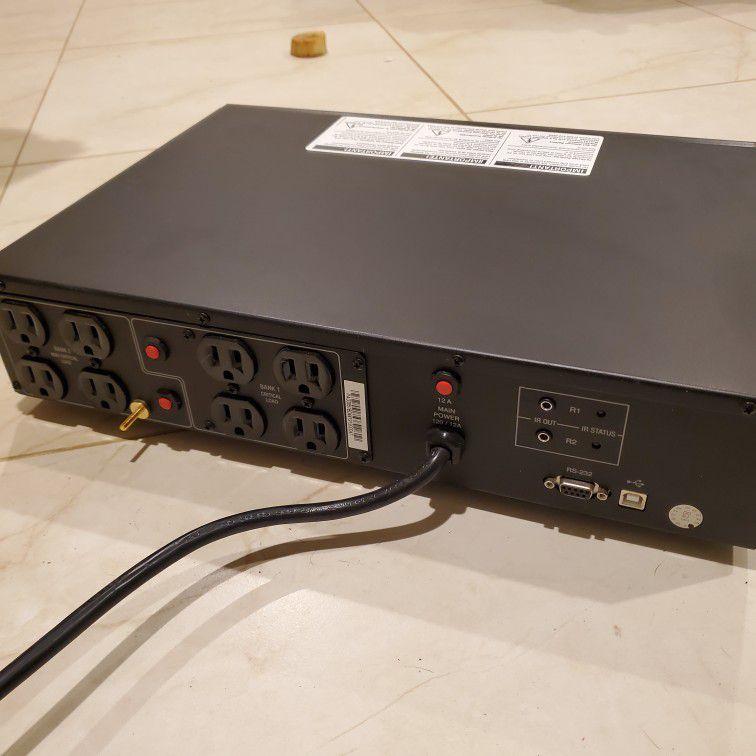 UPS Battery Backup Panamax MB1000