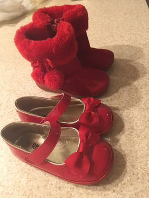Christmas Red toddler girl shoes and boots size 6 for Sale in Miami, FL