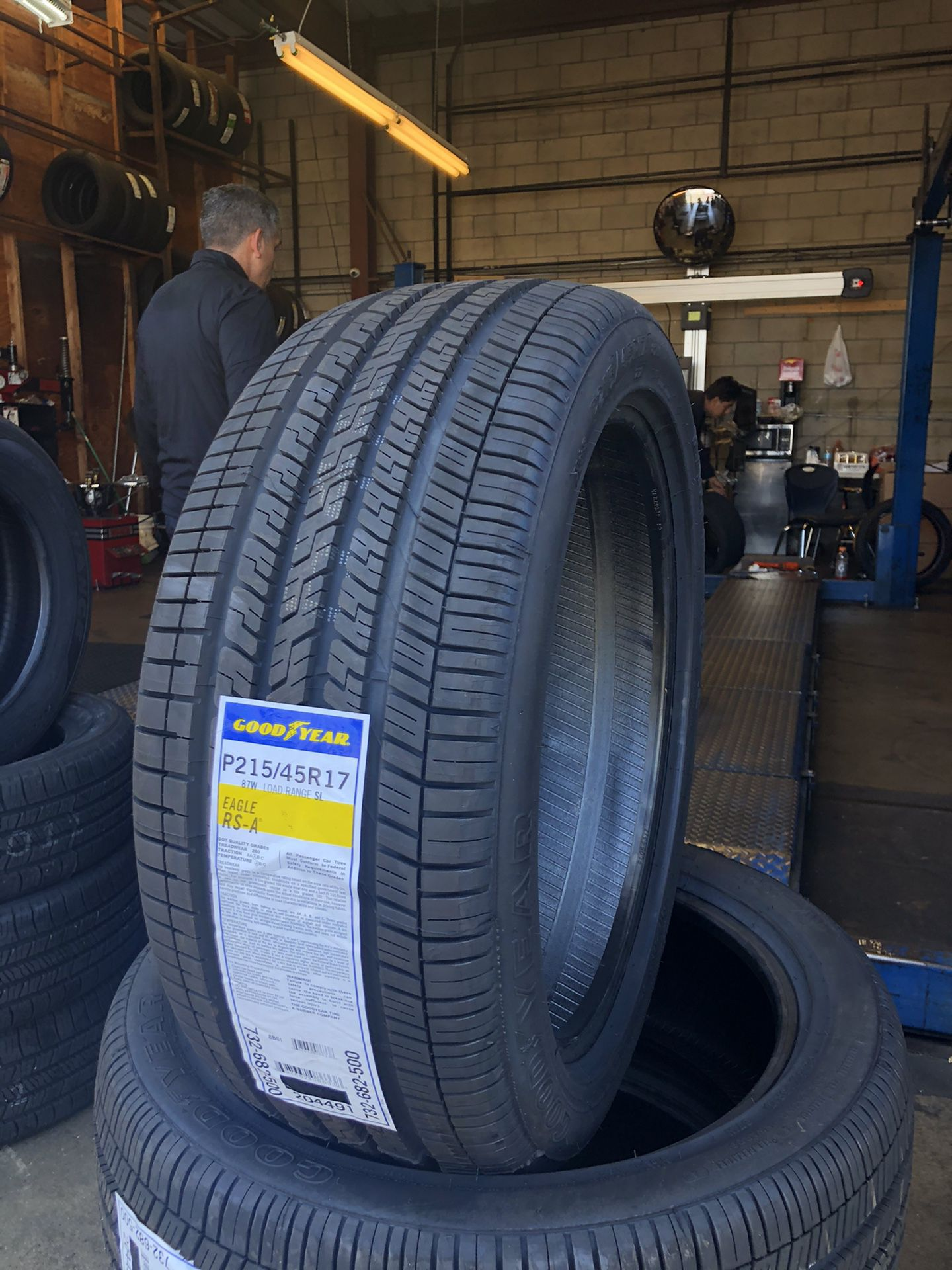 215/45/17 GOODYEAR 4 New Tires ❗️ MOUNTING AND BALANCE INCLUDED ❗️ We Do Aligments Too ❗️ We Open All Week ❗️ ❗️ 📲 📲