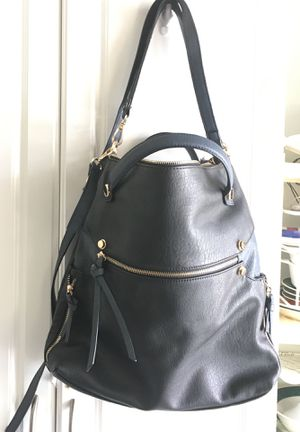 FAUX LEATHER SHOULDER BAG for Sale in New Smyrna Beach, FL