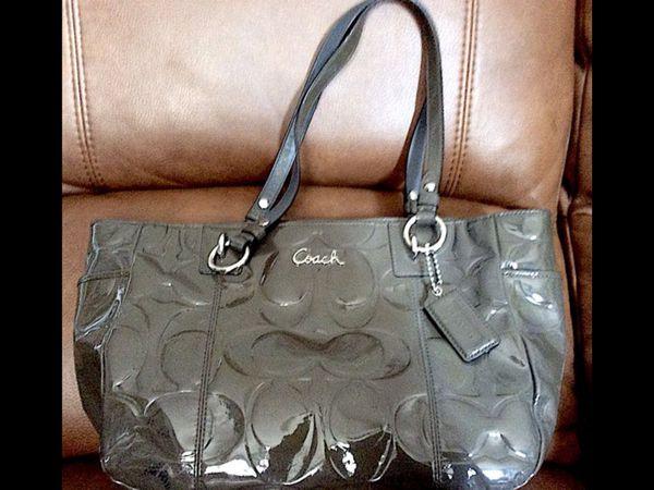 bed48906df Coach Purse purses B1G1 Free. Buy 1 Coach purse get 1 free!! for ...