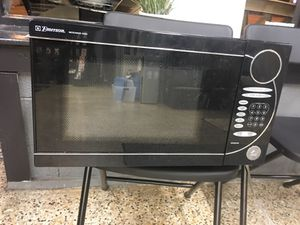 GREAT MICROWAVE for Sale in Orlando, FL