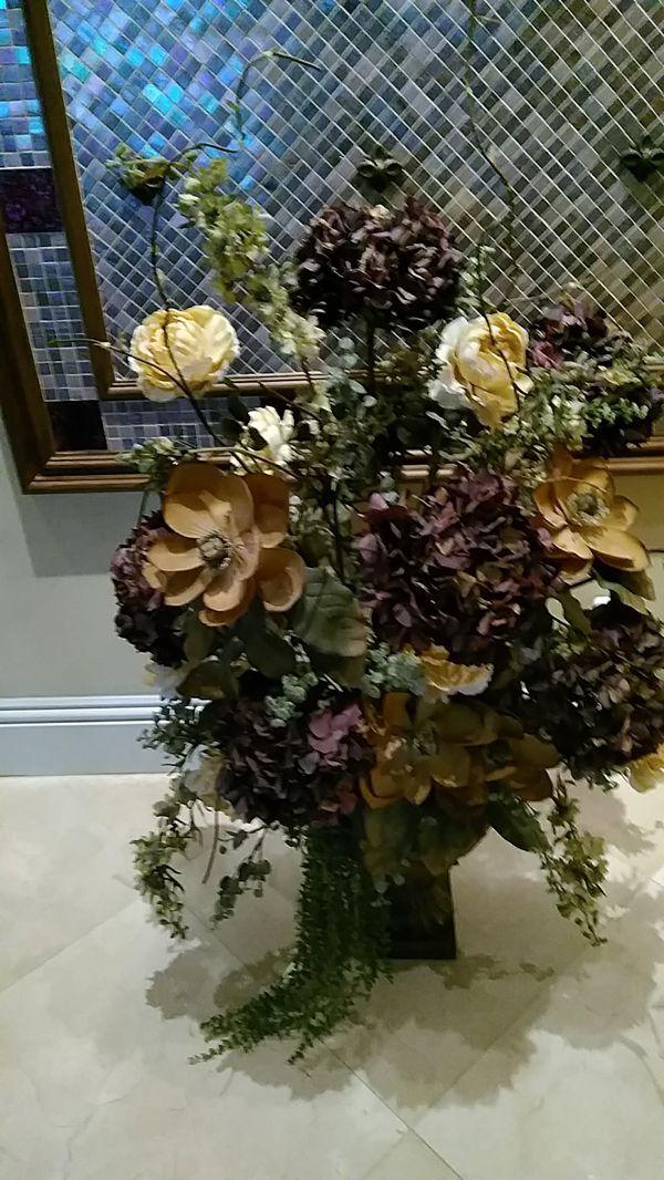 Silk Flower Arrangement With Vase For Sale In Fort Lauderdale Fl