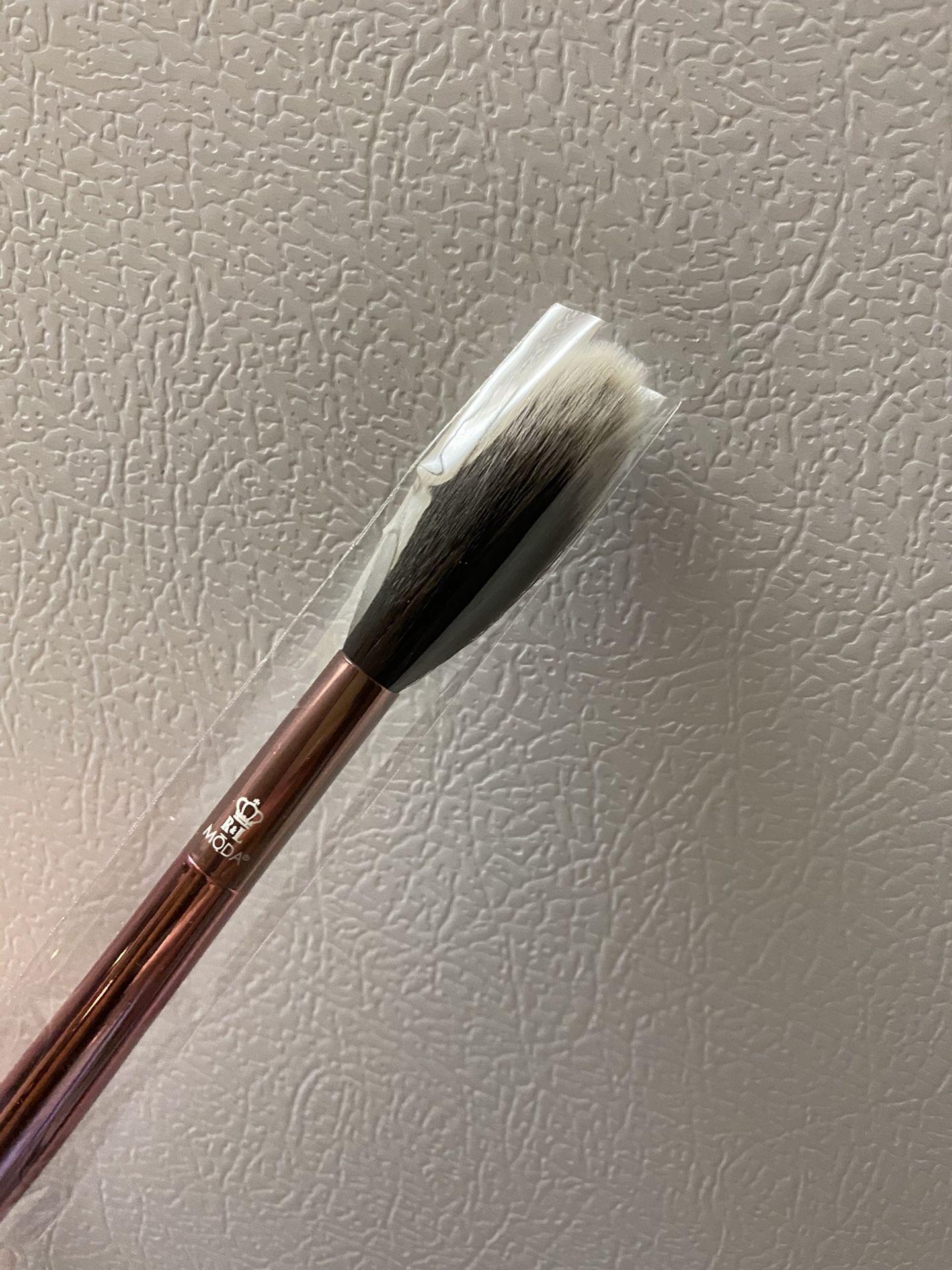 Moda Makeup Brush