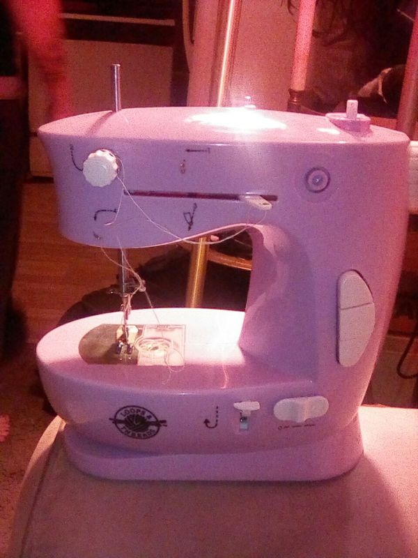 Sewing Machine Loops Threads For Sale In Tucson AZ OfferUp Enchanting Loops And Threads Sewing Machine