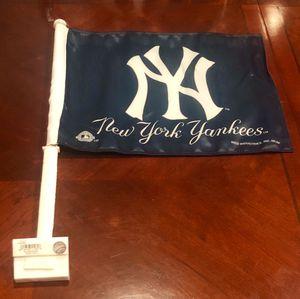 New York YANKEES 2 Sided Car Window Flag Brand New for Sale in Hemet, CA