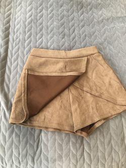 Skirts Thumbnail