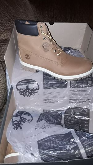 Photo Brand new size 13 timberland book rust in color