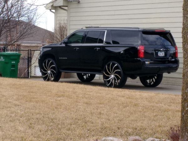 Acura Des Moines >> 30 inch Azara rims and tires for Sale in Des Moines, IA ...