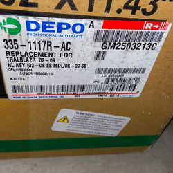 Replacement Light Chevy Trailblazer 02-08 Thumbnail