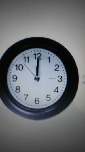 DecoMates Non Ticking Silent Wall/Desk Clock for Sale in Las Vegas, NV