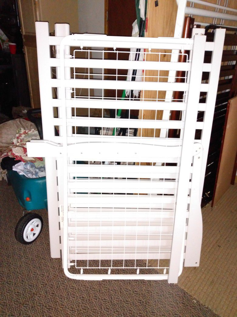White Crib With Mattress In Very Good Condition