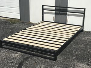 New full size platform bed frame for Sale in Columbus, OH