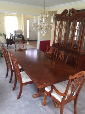 Dining room set 1,100 for Sale in Upper Marlboro, MD
