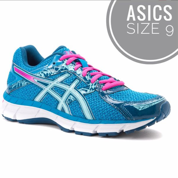 debe3a8acfd4 Women s ASICS Gel excite 3 running shoes 9 for Sale in Murrieta