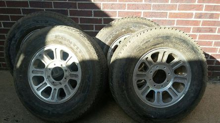 King Ranch Tires and Rims 90% Tread Thumbnail