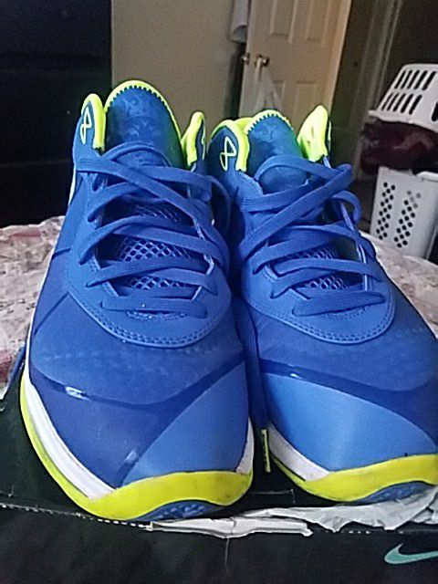 the best attitude f5e18 4a0cf Lebron 8 low (Sprite)