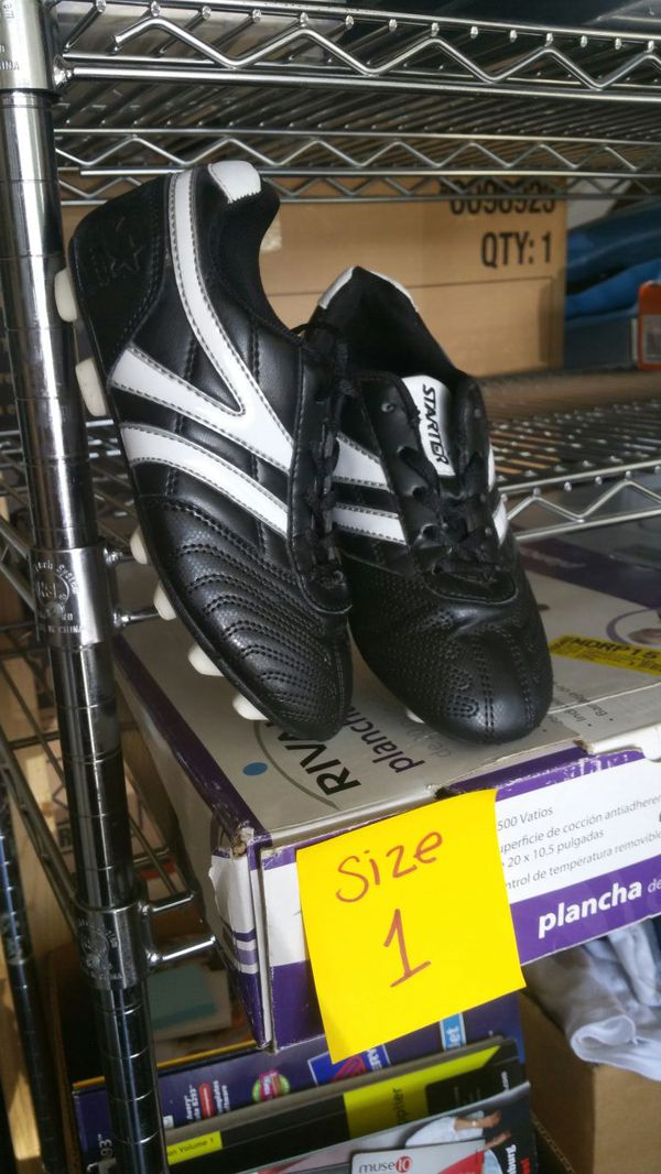 bd5523739 Cleets boys size 1 soccer shoes for Sale in Boiling Springs