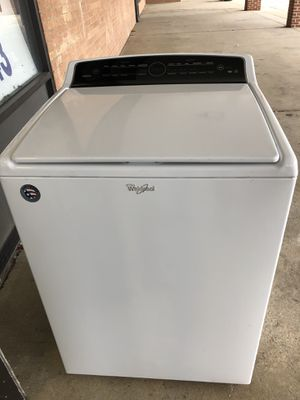 New whirlpool top load washer with one year warranty for Sale in Lake Ridge, VA