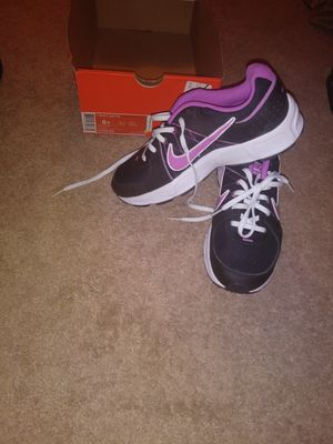 Youth shoe Pink NIKE Size 6 for Sale in Manassas, VA