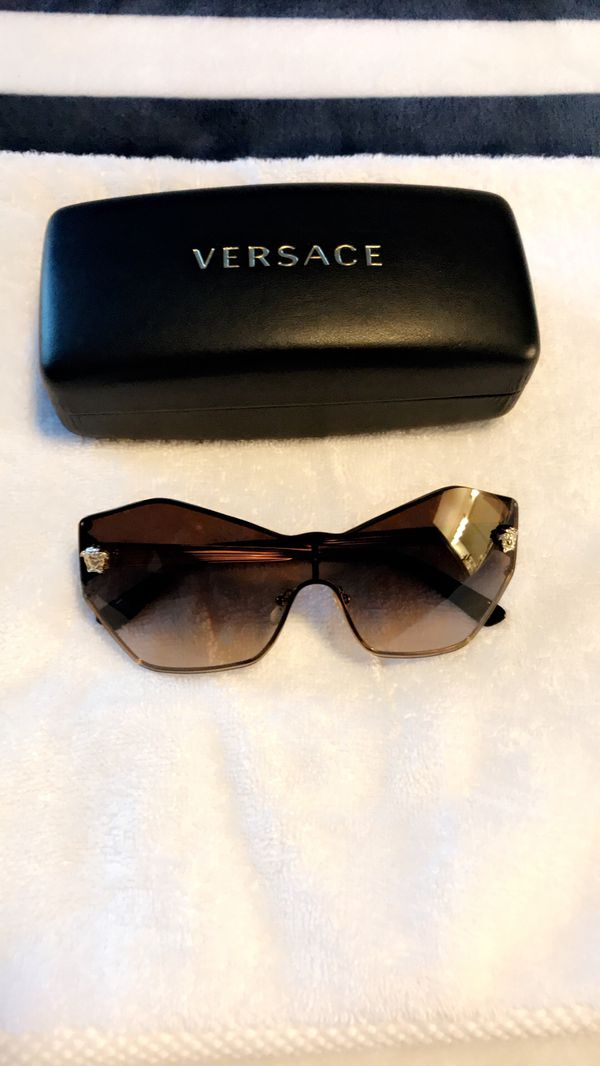 94653d50590fb sunglasses!! VERSACE. Brand New. for Sale in Cedar Park