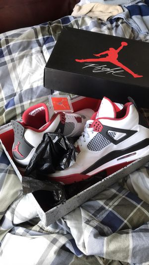 AIR JORDAN FIRE RED RETRO 4s SZ 12 for Sale in Centreville, VA